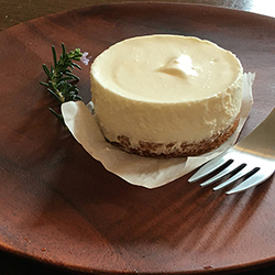 ワンコインカフェ:レアチーズケーキ