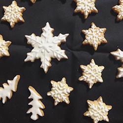 雪の結晶とツリーのクッキー
