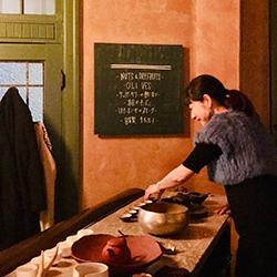 鎌倉の伝説のバー 「THE BANK」のカウンターで。