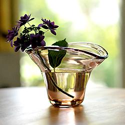 吹きガラスの花器
